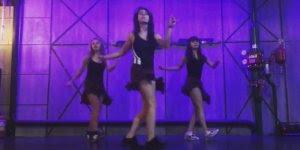 Garotas dançando em uma sincronia pra lá de gostosa, confira!!!