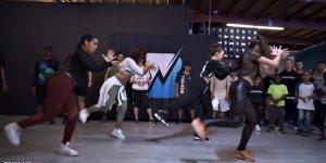 Garotas dançando olha só que legal esta coreografia, elas mandam muito bem!!