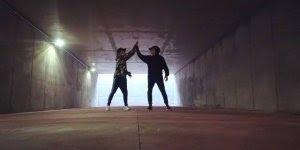 Garotos dançando musica eletrônica, ola só que legal esta coreografia!!!