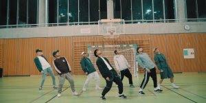 Grupo de dança, olha só que legal o sincronismo dessa galera!!!