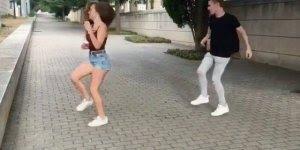Marque seu melhor amigo, se ele não responder vai ter que dançar com você!!!