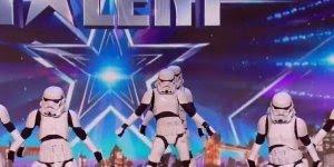 Stormtroopers fazendo apresentação de dança em programa de talentos!!