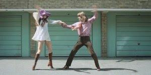 Vídeo mostrando 100 anos de evolução da dança e de estilos de roupas!!!