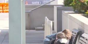 Olha só o que este morador de rua fez, é simplesmente incrivel!!!