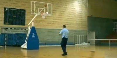 Engenheiro jogando basquete, você vai se impressionar no final!