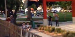 Esse cara mitou com seu skate, merece compartilhamento no Facebook!