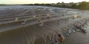 Grande surfing na Pororoca! Veja que imagens incríveis, lindas!!!