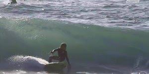 Menino surfando, esse vai ser um surfista famoso no futuro!