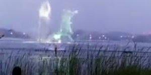 Apresentação de holograma na água, um show que vale a pena assistir!