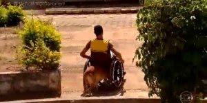 Esse vídeo é impressionante! Veja só este amigo fiel deste cadeirante!!!
