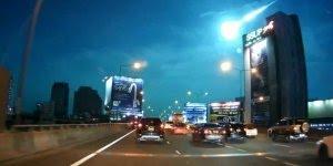 Impressionante o momento exato em que um meteoro caiu na Tailândia!!!
