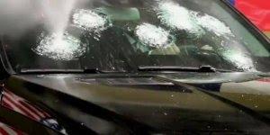 Impressionante tiros de AK-47 em carro blindado, simplesmente fantástico!!!