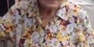 Senhora de 85 anos na boleia de um caminhão, essa é guerreira!