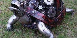 Tartaruga de Ferro, veja que invenção incrível feita com peças de carro e moto!