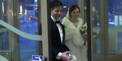 Casal foge do próprio casamento e faz surpresa para avó que estava no hospital!