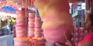 Gente para quem é esse algodão doce gigante! Estou tentando entender, kkk!!!
