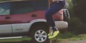 Que legal esse vídeo! Andar em pernas de pau é legal, até ver esse cara!!!