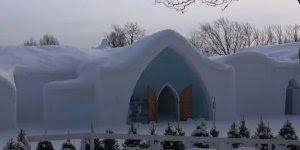 Que legal este hotel! Já imaginou dormir em um hotel todo feito de gelo?