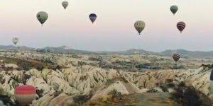 Vídeo muito legal com balões voando pelo céu, olha só que incrível!!!