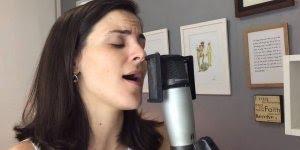 Despacito na voz de Veka Calabrich, uma versão relaxante!!!