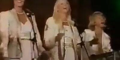 Musica Chiquitita do grupo sueco ABBA, com certeza você já ouviu esta musica!