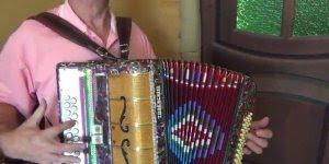 Musica de Zé Barth Apanhei do pai mas não da Policia, confira!!!