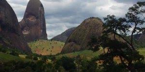 Conheça a Pedra do Garrafão, um lindo lugar de Minas Gerais!!!