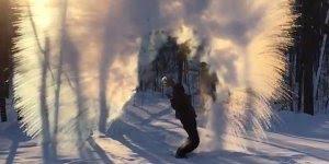 Efeito de jogar água quente na neve, simplesmente fascinante!!!