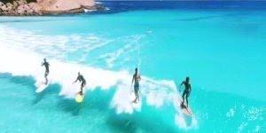 Praia na Austrália, veja estas águas cristalinas, simplesmente perfeito!!!