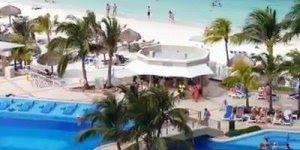 Resort cercado por natureza em Cancun em frente a praia, veja que lindo!!!