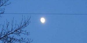 Vendo a lua de perto com Zoom de câmera, impressionante!
