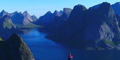 Vídeo com trilha nas alturas, veja que lugar maravilhoso, e alto!!!