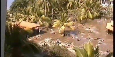 Vídeo impressionante mostrando o momento em que o tsunami atinge a Indonésia!