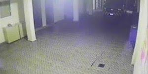 Veja só o que a câmera interna desta escola capitou durante a noite!!!