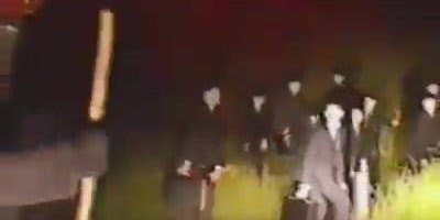 Vídeo assustador gravado por câmera do carro, o que pode ser isto?