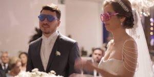 Lição no altar, casal aprende a enxergar com os olhos, um do outro!