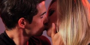 Vídeo revela como os homens devem tratar as mulheres, sensacional!