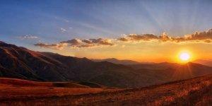 Mensagem de Bom Dia para Facebook - Olhe para o céu e fale com Deus!