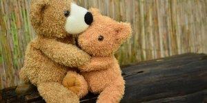 Dia 22 de maio é Dia do Abraço, bora distribuir abraços! Feliz Dia do Abraço!!!