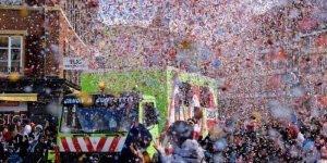 Frase de Carnaval para Facebook, ninguém precisa de fantasia!