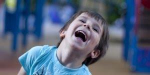 Mensagem ser criança é... Ver o mundo de uma forma pura e cheia de alegria!!!