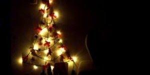 Linda árvore de Natal com pisca pisca super diferente, confira!