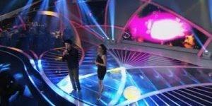 Acalma meu coração com Karen Mattos e Davi Lukato, no programa Raul Gil!