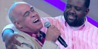 Mattos Nascimento cantando com Péricles, é emocionante, vale a pena conferir!!!