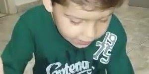 Vídeo com garotinho lindo pregando a palavra do Senhor. vale a pena conferir!!!
