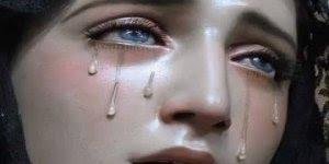 Imagem da Virgem Maria triste - Para ela parar de chorar temos que rezar!