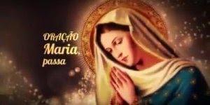 Oração Maria Passa na Frente com várias mulheres rezando partes da Oração!