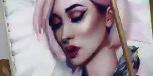 Arte de pintar quadros com rostos de pessoas , uma arte linda!!!