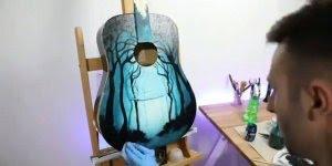 Arte de transformar um violão velho em uma linda obra de arte!!!