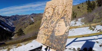 Artista usa os raios do sol para desenhar, afinal, para que tintas?